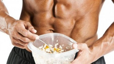 Some foods to keep the male body fit